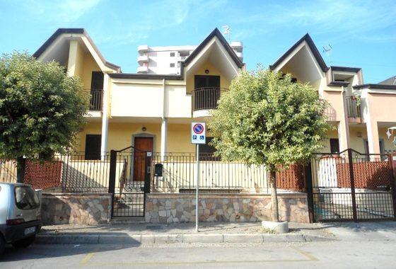 Villetta a schiera in affitto
